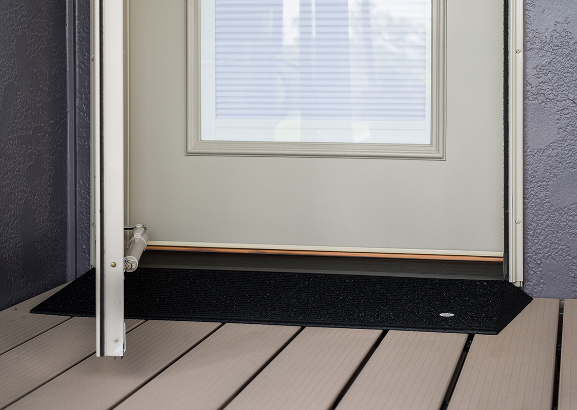 TRANSITIONS® Angled Entry Mat - Picture 04